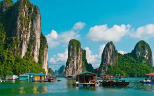 paket tour vietnam halong bay