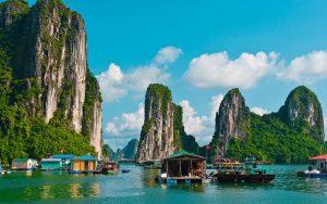 paket tour vietnam halong bay